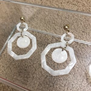 White octagon marbled earrings